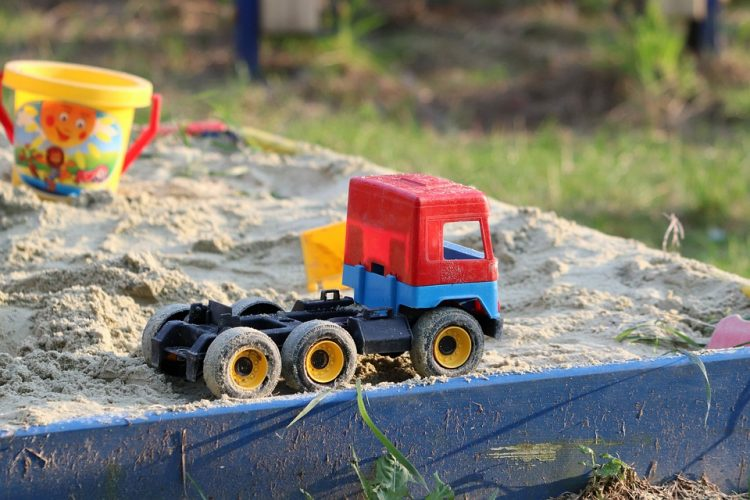 Benefits of Sand Tray Therapy for Counselling Children and Adults