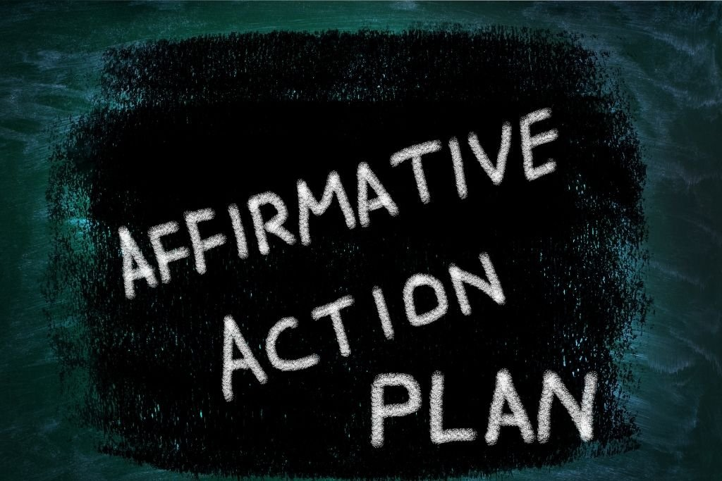 Adding affirmation words and motivational quotes
