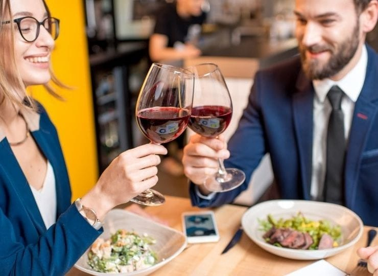 40 Awesome First Date Tips That Will Get You a Second One